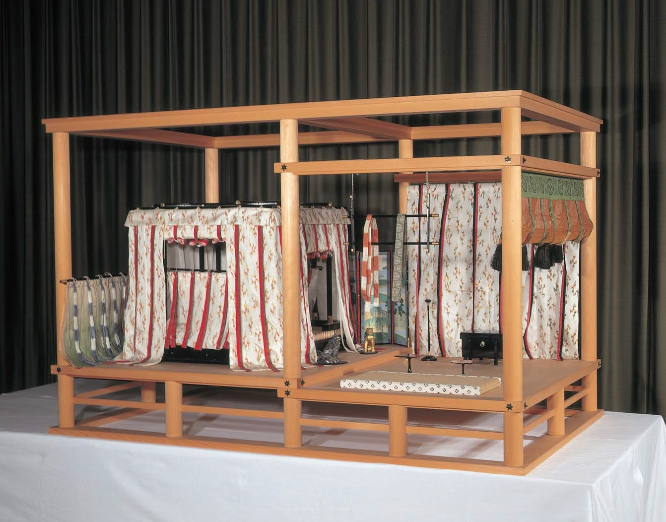 寝殿内の敷設